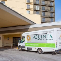 Отель La Quinta Inn & Suites Mpls-Bloomington West Блумингтон городской автобус