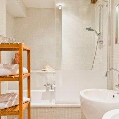 Отель Diamonds and Pearls Бельгия, Антверпен - отзывы, цены и фото номеров - забронировать отель Diamonds and Pearls онлайн ванная