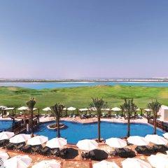 Radisson Blu Hotel, Abu Dhabi Yas Island пляж фото 2
