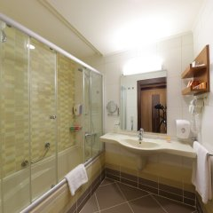 Sueno Hotels Beach Side Турция, Сиде - отзывы, цены и фото номеров - забронировать отель Sueno Hotels Beach Side онлайн ванная