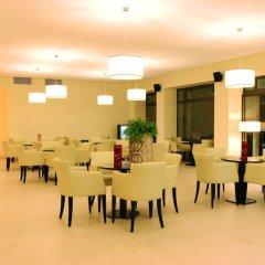 Отель Lotos - Riviera Holiday Resort Болгария, Золотые пески - отзывы, цены и фото номеров - забронировать отель Lotos - Riviera Holiday Resort онлайн помещение для мероприятий