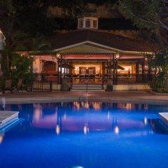Отель Holiday Inn Guadalajara Expo бассейн фото 2