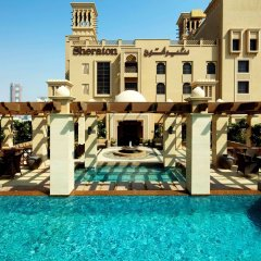 Отель Sheraton Sharjah Beach Resort & Spa бассейн фото 3