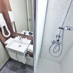 Отель Campanile Lyon Centre - Gare Perrache - Confluence Франция, Лион - 2 отзыва об отеле, цены и фото номеров - забронировать отель Campanile Lyon Centre - Gare Perrache - Confluence онлайн ванная фото 2