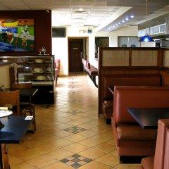 Отель Metrotel Express Гондурас, Сан-Педро-Сула - отзывы, цены и фото номеров - забронировать отель Metrotel Express онлайн гостиничный бар