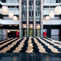 Отель Hilton Madrid Airport интерьер отеля