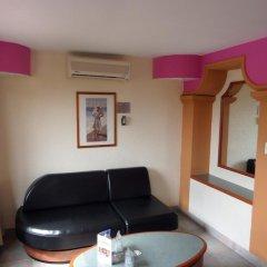 Отель Motel Los Prados - Adults Only Тлальнепантла-де-Бас комната для гостей