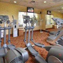 Отель Holiday Inn Raleigh Durham Airport фитнесс-зал фото 2