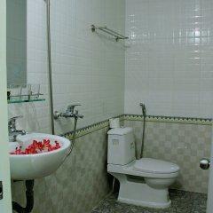 Отель Red Ceramics Homestay Вьетнам, Хойан - отзывы, цены и фото номеров - забронировать отель Red Ceramics Homestay онлайн ванная фото 2