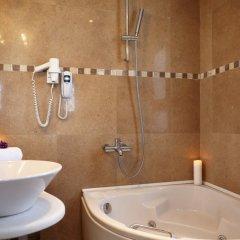 Отель Orizontes Hotel & Villas Греция, Остров Санторини - отзывы, цены и фото номеров - забронировать отель Orizontes Hotel & Villas онлайн ванная