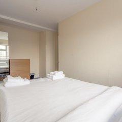 Отель 4 Bedroom Apartment in Battersea Великобритания, Лондон - отзывы, цены и фото номеров - забронировать отель 4 Bedroom Apartment in Battersea онлайн комната для гостей фото 3