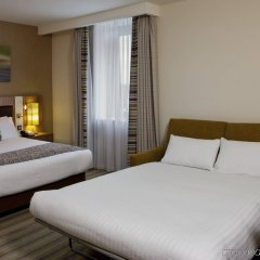 Отель Holiday Inn Stevenage комната для гостей фото 2