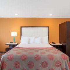 Отель Ramada by Wyndham Culver City комната для гостей фото 3
