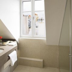 Отель Relais Des Halles Париж ванная