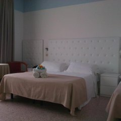 Отель La Perla Римини комната для гостей фото 2