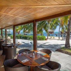 Отель Manava Beach Resort and Spa Moorea Французская Полинезия, Папеэте - отзывы, цены и фото номеров - забронировать отель Manava Beach Resort and Spa Moorea онлайн гостиничный бар