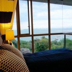 Отель Baan Plai Haad Beachfront Condominium Паттайя балкон