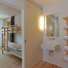 Отель Youth Hostel St. Moritz Швейцария, Санкт-Мориц - отзывы, цены и фото номеров - забронировать отель Youth Hostel St. Moritz онлайн ванная