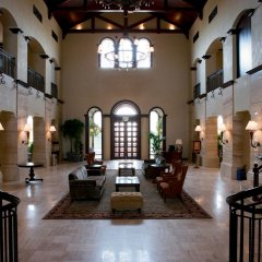 Отель Arabian Ranches Golf Club интерьер отеля