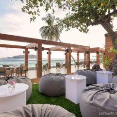 Отель The Nai Harn Phuket питание