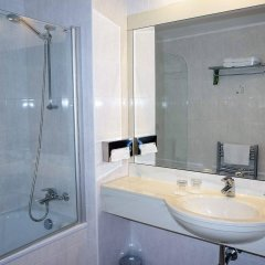 Coronet Hotel Прага ванная