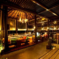 Отель The Vijitt Resort Phuket гостиничный бар