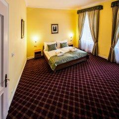 Hotel Dvorak Cesky Krumlov Чешский Крумлов сейф в номере