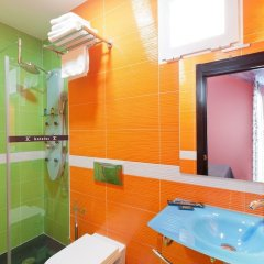 Отель JC Rooms Santo Domingo Испания, Мадрид - 3 отзыва об отеле, цены и фото номеров - забронировать отель JC Rooms Santo Domingo онлайн ванная