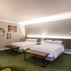 Отель Hilton Brussels Grand Place 4* Стандартный семейный номер с разными типами кроватей
