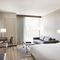 Отель AC Hotel by Marriott Phoenix Biltmore США, Финикс - отзывы, цены и фото номеров - забронировать отель AC Hotel by Marriott Phoenix Biltmore онлайн комната для гостей фото 5