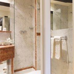 Отель Des Marronniers Париж ванная