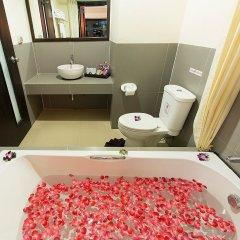 Отель Phuvaree Resort Пхукет ванная фото 2