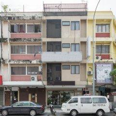 Отель OYO 152 Swiss Cottage Hotel Малайзия, Куала-Лумпур - отзывы, цены и фото номеров - забронировать отель OYO 152 Swiss Cottage Hotel онлайн парковка