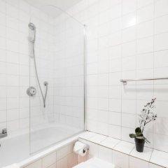 Отель 5 Bedroom House in Clerkenwell Лондон ванная