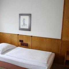 Hotel Ekazent Schönbrunn Вена комната для гостей фото 5
