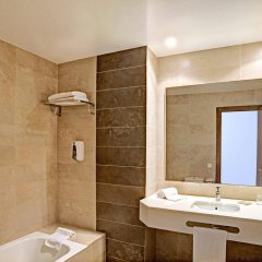 Hotel y Apartamentos Casablanca ванная