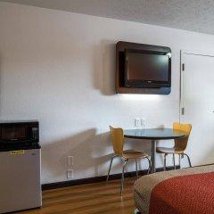 Отель Motel 6 Columbus OSU США, Колумбус - отзывы, цены и фото номеров - забронировать отель Motel 6 Columbus OSU онлайн удобства в номере фото 2