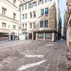 Отель Erbaria Boutique Apartment R&R Италия, Венеция - отзывы, цены и фото номеров - забронировать отель Erbaria Boutique Apartment R&R онлайн парковка