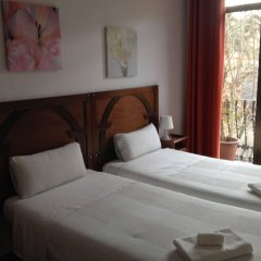Отель Hostal Absolut Stay Барселона комната для гостей фото 4