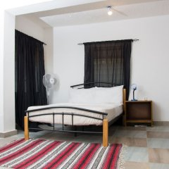 Отель EastWest Hospitality Сьерра-Леоне, Фритаун - отзывы, цены и фото номеров - забронировать отель EastWest Hospitality онлайн комната для гостей фото 2