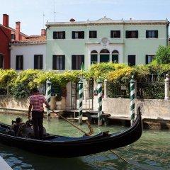 Отель Pensione Accademia - Villa Maravege Италия, Венеция - отзывы, цены и фото номеров - забронировать отель Pensione Accademia - Villa Maravege онлайн с домашними животными