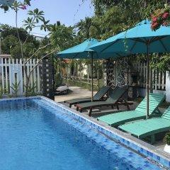 Отель The Moon River Homestay & Villa бассейн