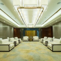 Отель Golden Tulip Suzhou Residence