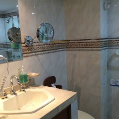 Отель Sol Caribe Sea Flower Колумбия, Сан-Андрес - отзывы, цены и фото номеров - забронировать отель Sol Caribe Sea Flower онлайн ванная фото 2