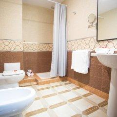 Отель Les Ambassadeurs Марокко, Касабланка - отзывы, цены и фото номеров - забронировать отель Les Ambassadeurs онлайн ванная