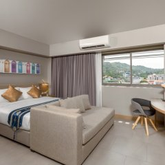 Oakwood Hotel Journeyhub Phuket комната для гостей фото 3