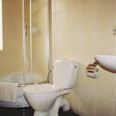 Гостиница Na Gorbi Украина, Волосянка - отзывы, цены и фото номеров - забронировать гостиницу Na Gorbi онлайн ванная
