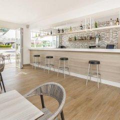Отель Globales Apartamentos Lord Nelson Эс-Мигхорн-Гран гостиничный бар