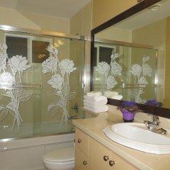 Отель Lily's Guesthouse Канада, Бурнаби - отзывы, цены и фото номеров - забронировать отель Lily's Guesthouse онлайн ванная