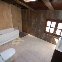 Отель Mas Palou Испания, Курорт Росес - отзывы, цены и фото номеров - забронировать отель Mas Palou онлайн ванная